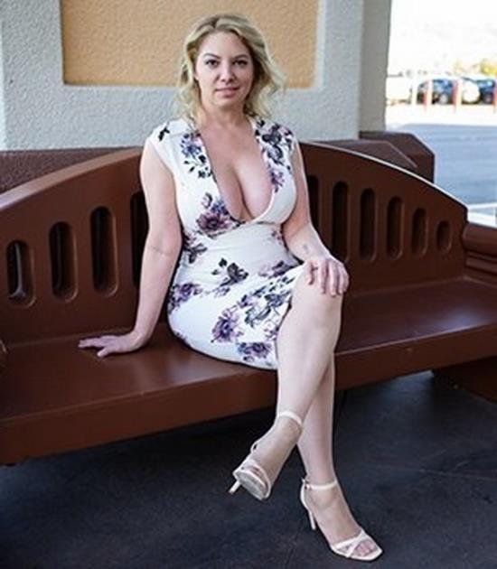 MomPov - Kiki - Big ass and titties blonde MILF (FullHD/1080p/2.36 GB)