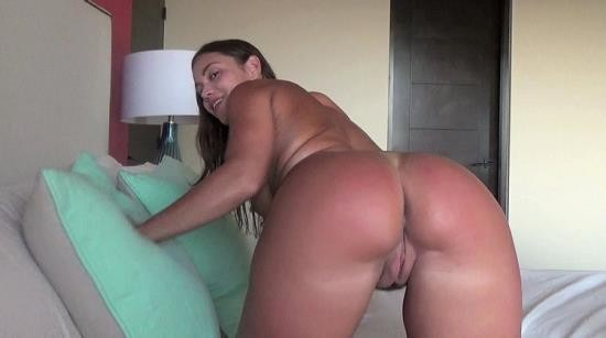 Clips4Sale - Alyssa Reece - Busted Peeping At Mommy JOI (FullHD/1080p/1.62 GB)