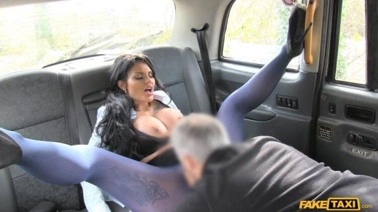 FakeTaxi/FakeHub - Candy Sexton - Big tits long hair and high heels (FullHD/1080p/1.43 GB)