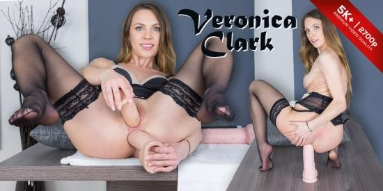 CzechVRFetish/CzechVR - Veronica Clark - Let's See Those Gaping Holes! (UltraHD/2K/1440p/2.61 GB)