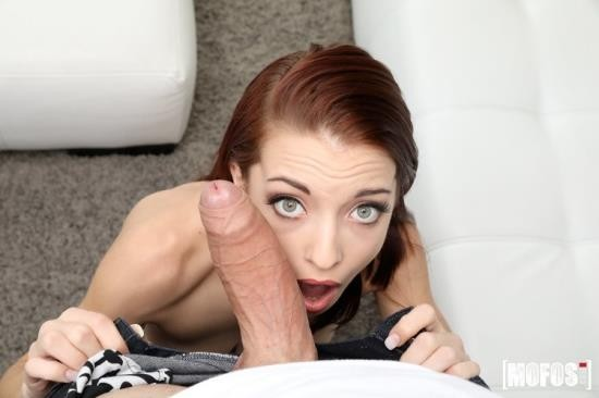 DontBreakMe/Mofos - Paisley Rae - Slim Cutie Filled With Mega Cock (HD/720p/2.50 GB)