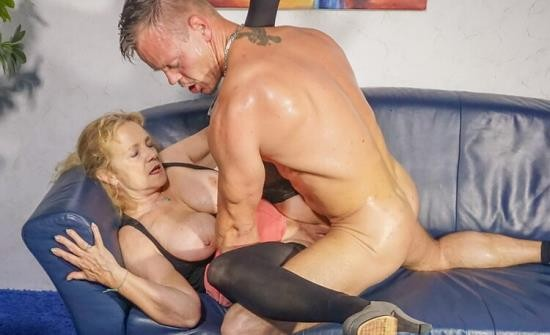 HausfrauFicken/PornDoePremium - Yvonne - Cum on tits splurge for busty blonde German granny cheating with young stud (FullHD/1080p/1.62 GB)