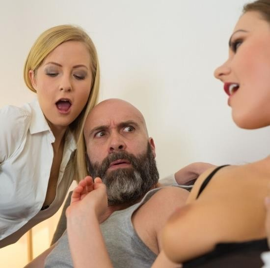 LosConsoladores/PornDoePremium - Sicilia, Tina Kay - Reality Spanish porn features a blonde and a brunette switching husbands (HD/720p/568 MB)