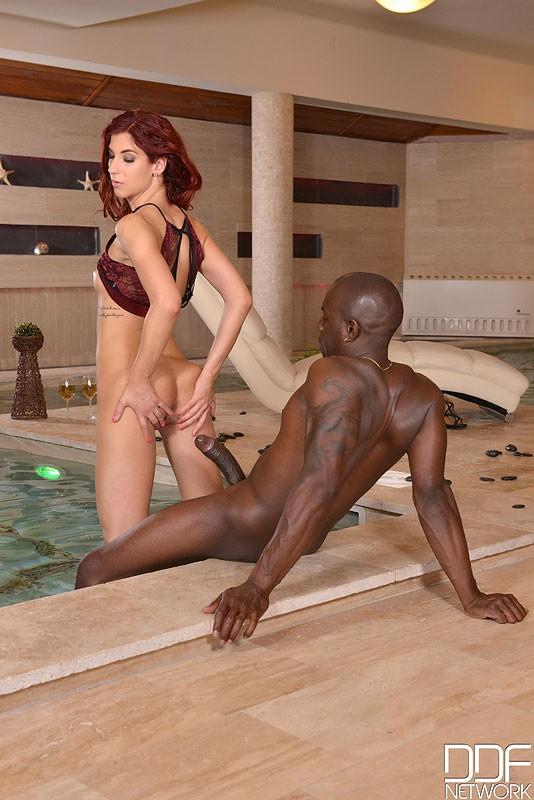 HandsOnHardcore/DDFNetwork - Shona River - Wet Love Affairs - Massive Black Cock Makes Redhead Orgasm (FullHD/1080p/1.27 GB)