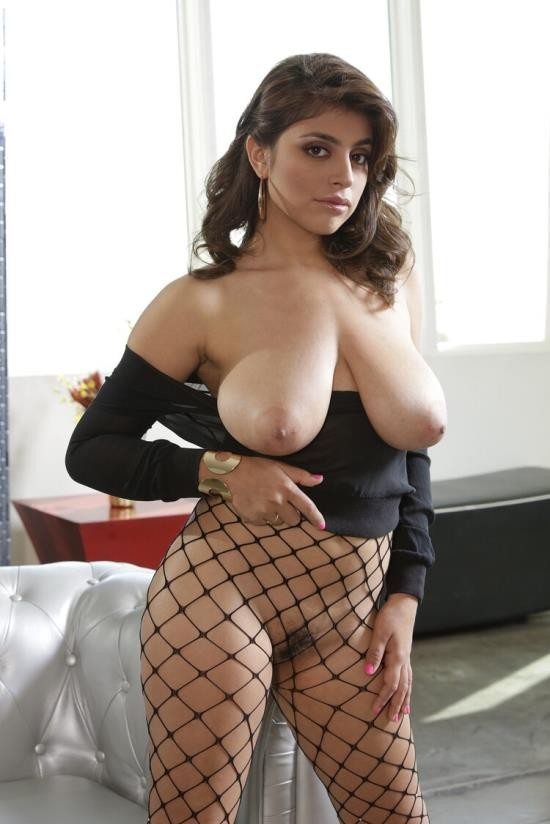 Bignaturals/Realitykings - Ella Knox - Obsessed With Breasts (FullHD/1080p/2.61 GB)
