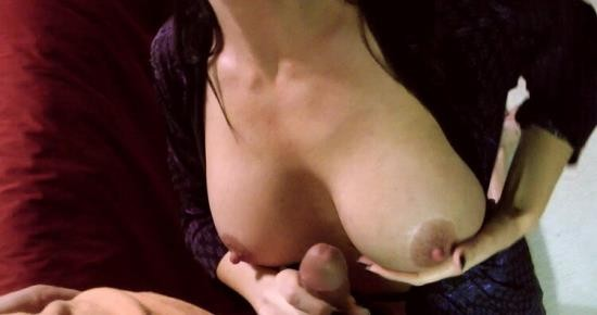 AngieNoir/Clips4sale - Angie Noir - I Sneak Into My Sons Room For A Quick BJ (HD/720p/271 MB)