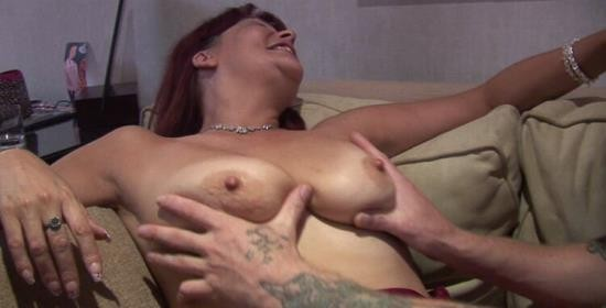 RealPunting - Curvy Christina - Hardcore (HD/720p/1.13 GB)