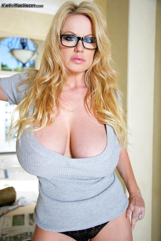 KellyMadison - Kelly Madison - Kelly In The Mountains (FullHD/1080p/1.59 GB)