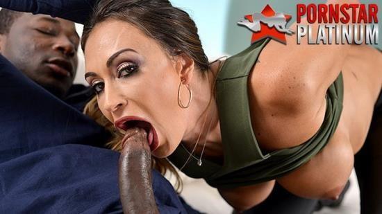 PornstarPlatinum - Claudia Valentine - Claudia Valentine Fucks A Bounty Hunter (HD/720p/1.01 GB)