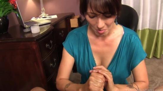 TabooHandjobs/Clips4sale - Zoey Holloway, Michael Diamond - Hardcore (HD/720p/216 MB)