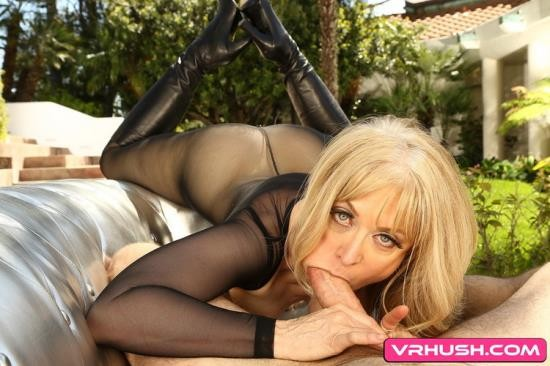 VRHush - Nina Hartley - From The Vault (UltraHD 2K/1920p/4.61 GB)