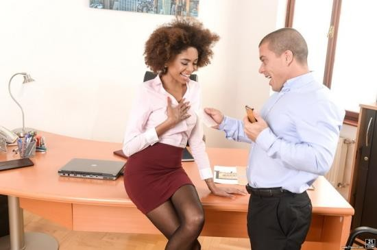 PixAndVideo/21Sextury - Luna Corazon - Interracial Office Orgasm (FullHD/1080p/1.06 GB)