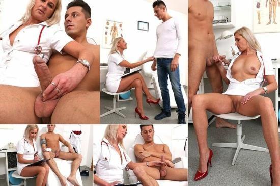 Spermhospital - Bruna - Leggy Czech doctor lady Bruna gets cum on tits (HD/720p/1.07 GB)