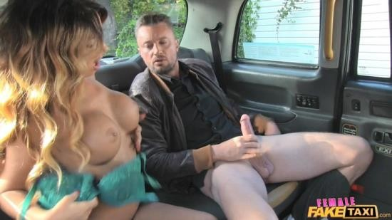 FemaleFakeTaxi - Elicia - Messy Facial For Busty Driver (FullHD/1080p/1.24 GB)