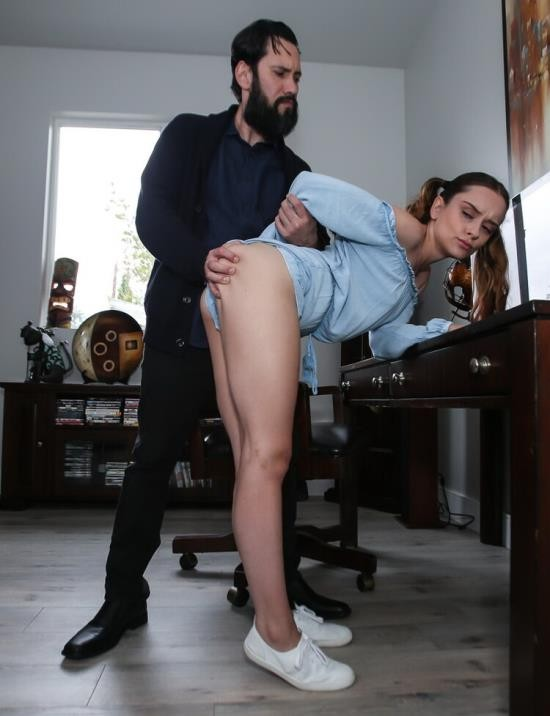 FamilyStrokes/TeamSkeet - Lily Glee - Disciplined Stepdaughter Dick Down (HD/720p/1.53 GB)