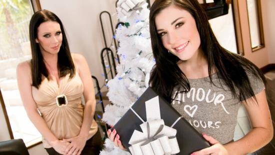MommysGirl/GirlsWay - RayVeness, Jenna Reid - My Christmas Wish: Part One (FullHD/1080p/1.7 GB)