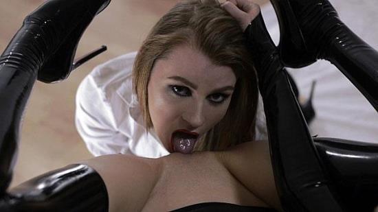 StraplessDildo - Mia - Rossy Kiss-Cleans Mia's Latex Clad Pussy (HD/720p/1.49 GB)