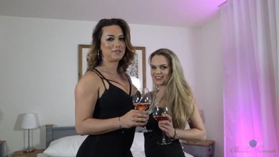 BiankaNascimento - Bianka Nascimento - Bianka with a Hot Girl (HD/720p/681 MB)