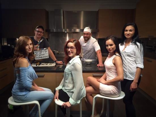SexArt/MetArt - Kari A, Linda Sweet - Chef (FullHD/1080p/1.41 GB)