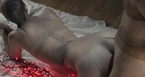 StraplessDildo - Jane, Rossy Bush - Santas favourite body stocking story (HD/720p/1.14 GB)