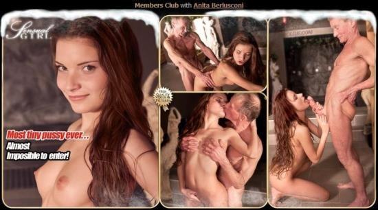 Oldje - Anita Berlusconi - Members Club (HD/720p/835 MB)