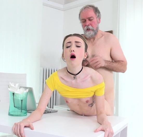 OldGoesYoung - Vlada - Vlada gets her first taste of old man cock (UltraHD 4K/2160p/2.55 GB)