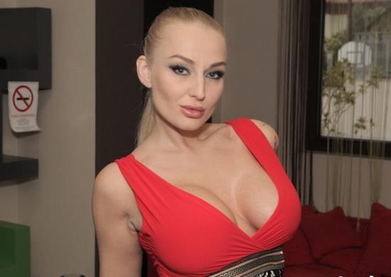 ReadyOrNotHereICum / CumLouder - Kayla Green - Russian Hooker Breaks The Snooker (HD/720p/854 MB)