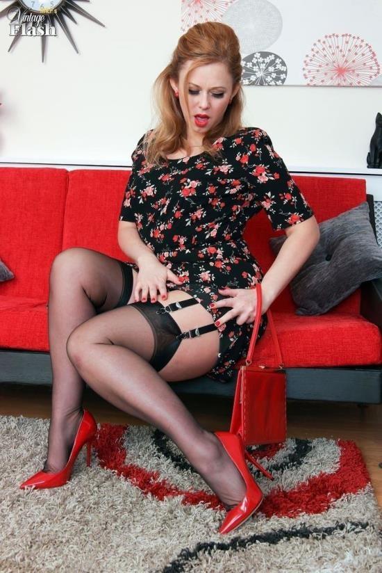 VintageFlash - Anna Joy - Brassy, blonde and badonkadonk! (FullHD/1080p/1.10 GB)