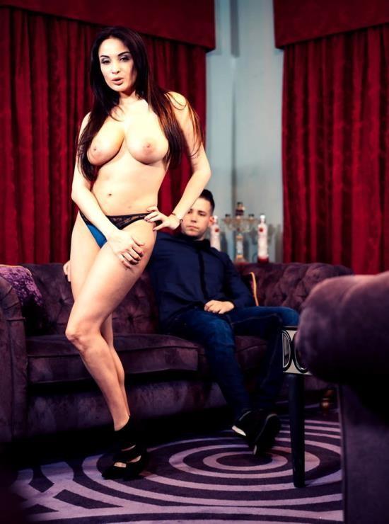 UkStreetwalkers/Killergram - Anissa Kate - The Sexy French Slut (HD/720p/501 MB)