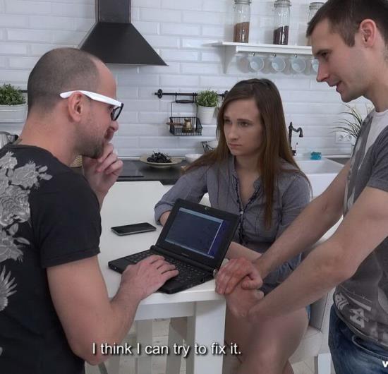 SellYourGF - Stasya Stoune - Computer guy will fuck your gf (FullHD/1080p/1.66 GB)