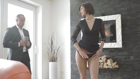 Bang! Glamkore/Bang - Jenifer Jane - Likes Her Men Muscular, Hard And In Her Ass (FullHD/1080p/1.31 GB)