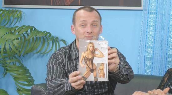 Fuckinggamble - Matt Bird, Dominic Ross, Mira, Kayla Green - The Sex Club: The Lord of the Sex Rings (HD/720p/4.78 GB)