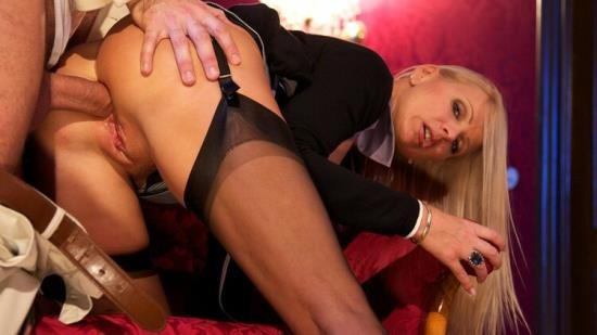 DorcelClub/Dorcel - Winnie - BLOND MILF WITH BIG BOOBS FUCKED IN THE ASS (FullHD/1080p/376 MB)
