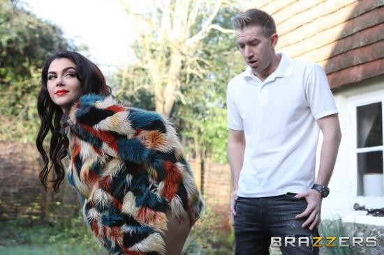 BigButtsLikeItBig/Brazzers - Valentina Nappi - Covet Thy Neighbors Ass (HD/720p/522 MB)
