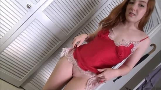 Family Therapy/Clips4Sale - Amber Addis - Good Morning With My Little Sister (HD/720p/620 MB)