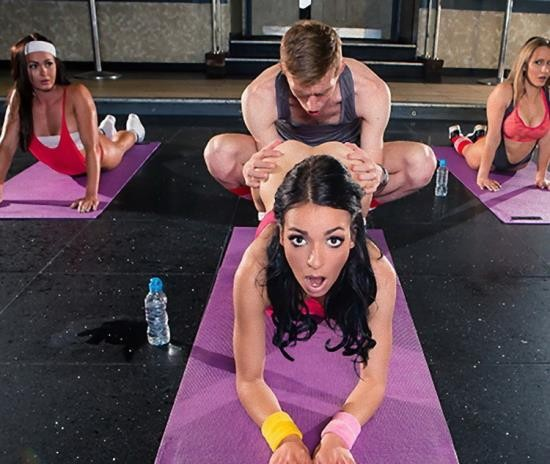 BigTitsInSports/Brazzers - Sophia Laure - Sweaty Ass Workout (FullHD/1080p/2.77 GB)