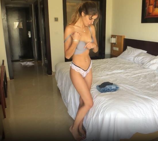 Pornhub - Kaya Way - Seduced Girlfriend after a Shower. Cum on Face (FullHD/1080p/3.03 GB)