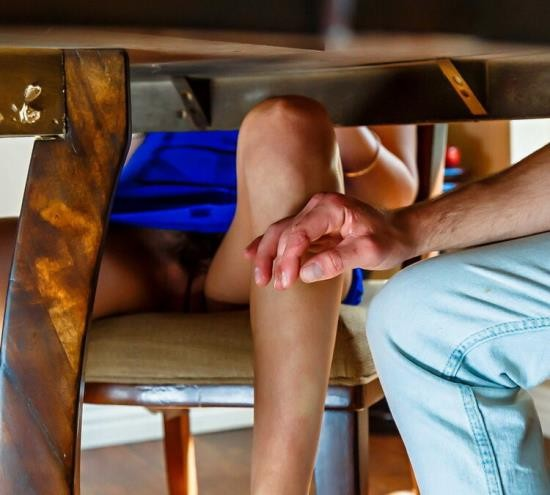 DigitalPlayground - Riley Reid - The Houseguest (FullHD/1080p/1.66 GB)