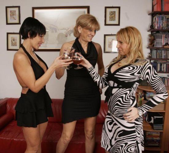 Old-and-Young-Lesbians/Mature.nl - Karine C.(49), Sheril(27), Dania V(36) - Lesbian-Alex153 (HD/720p/1.10 GB)