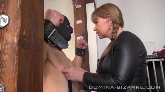 Domina-Bizarre - Lady Mercedes - Der Neue Sklave - Teil 5 (HD/720p/266 MB)