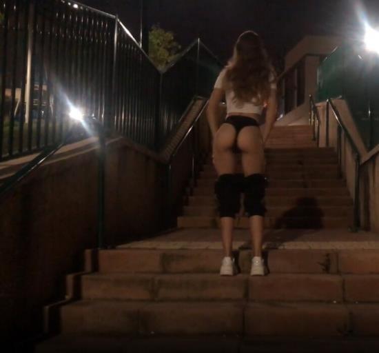 Pornhub - Kaya Way - Sudden Blowjob in the Park. Pulsating Cum Mouth (FullHD/1080p/3.03 GB)