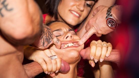 LivingWithaPornstar/CumLouder - Apolonia, Emilio Ardana, Sienna Day, Tina Kay - Apolonia bursts Barcelona Erotic Show (FullHD/1080p/3.52 GB)