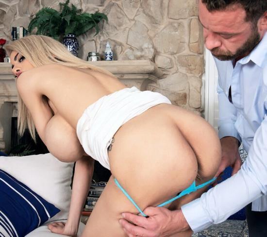 ScoreHD (PornMegaLoad)/Scoreland - Amber Alena - Amber Alena. First XXX (FullHD/1080p/1.67 GB)