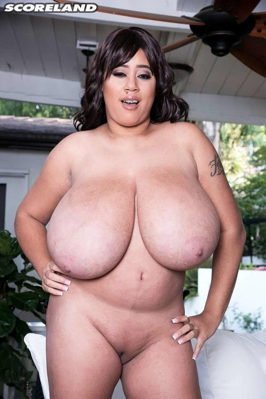 Voluptuous/ScoreHD - Roxi Red - Hot Time In The Tittie (HD/720p/370 MB)