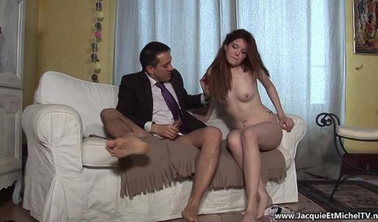 JacquieEtMichelTV - Angela Kiss - Angela, 19ans, histoire anale (FullHD/1080p/578 MB)