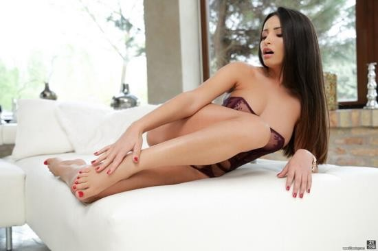 FootsieBabes/21Sextury - Alyssia Kent - Licking Cum Off My Toes (FullHD/1080p/1.65 GB)