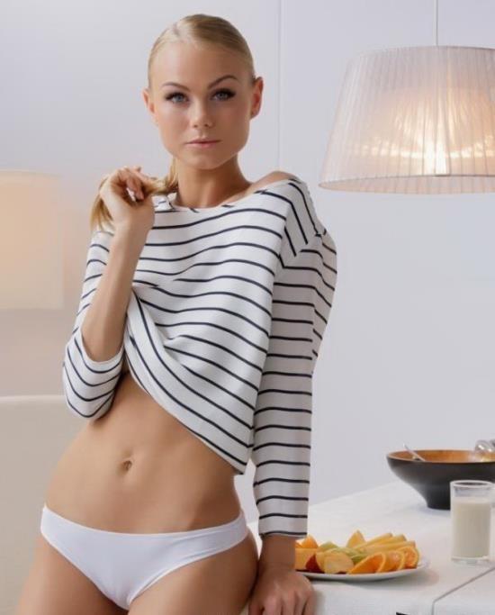 TheWhiteBoxxx/PornDoePremium - Nancy A - Sensual fucking with gorgeous Ukrainian blondie Nancy A and Martin (HD/720p/402 MB)