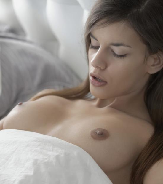 X-Art - Kaylee (aka Candice Luca) - Not Alone (FullHD/1080p/855 MB)
