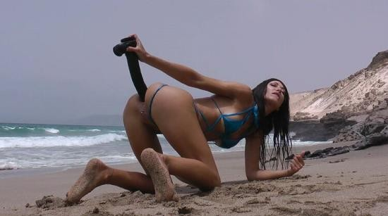 Hotkinkyjo - Hotkinkyjo - Deep dildo fuck and belly bulge at the public beach m  Play (FullHD/1080p/489 MB)