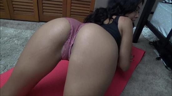 Family Therapy - Aaliyah Hadid - Father/Daughter Fitness (HD/720p/806 MB)